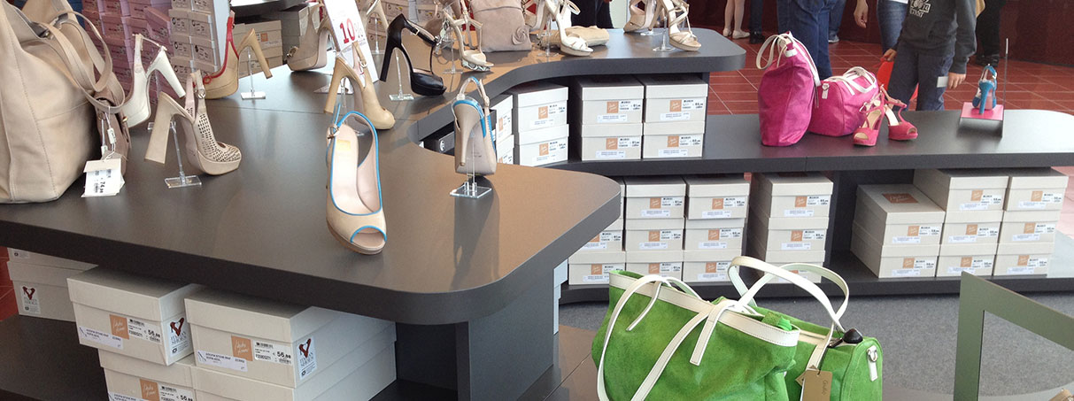Arredamento per negozi di calzature